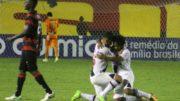Jogadores do Vasco festejaram goleada e triunfo fora de casa pelo Brasileirão (Foto: Paulo Fernandes/Vasco.com.br)