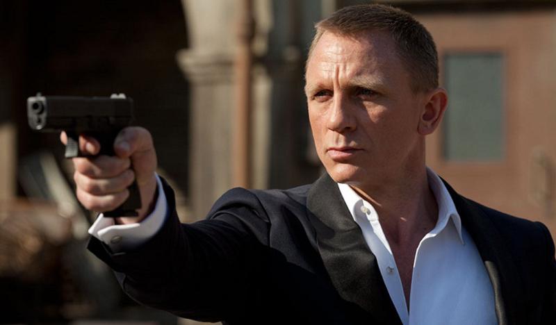 Jornalista inglês é criticado por chamar o ator Daniel Craig de 'afeminado'