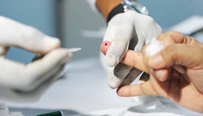 Justiça barra distribuição de remédio para 15 mil pacientes de hepatite C