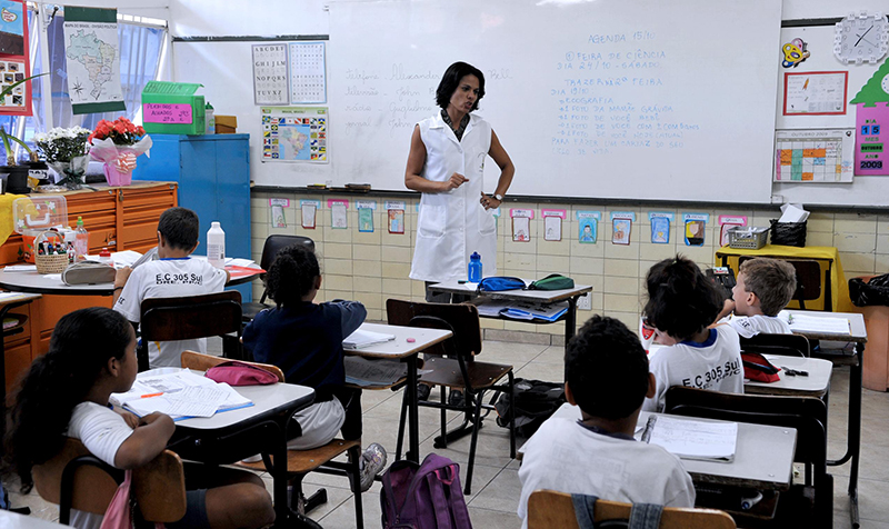 Projeto cria período para professor se dedicar a atividades extracurriculares