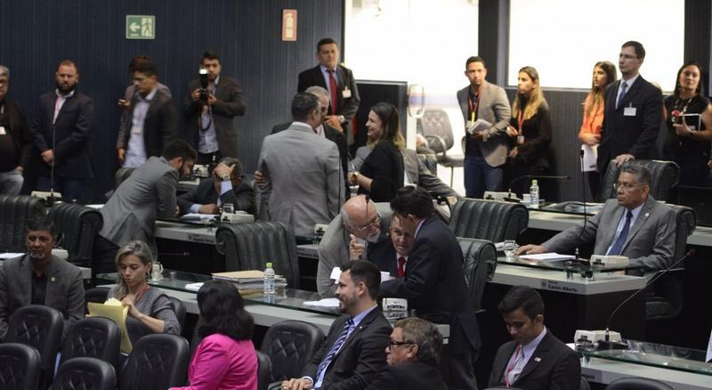 Deputados apoiam frente de combate à corrupção, mas projeto ainda não foi incluído em pauta de votação (Foto: Danilo Melo/ALE-AM)