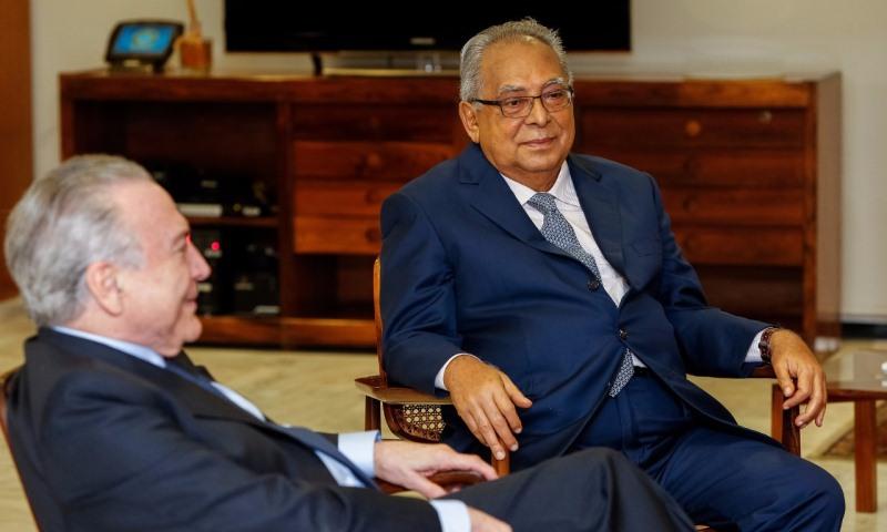 Decisões em Brasília podem levar Amazonino a trocar PDT pelo MDB