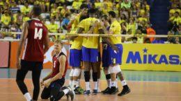 Jogadores venceram amistoso contra os EUA em Manaus nesta terça-feira (Foto: Michael Dantas/MPIX/CBV)