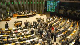 Deputados votam nesta quarta-feira se autorizam ou não investigação contra o presidente Temer (Foto: José Cruz/ABr)