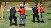 Policiais irão treinar durante duas semanas para aprender a manusear o fuzil (Foto: Ceylla Monick/SSP-AM)