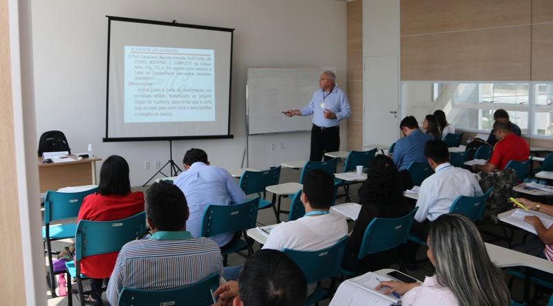 Vereadores e técnicos de câmaras municipais foram capacitados em curso do TCE (Foto: Valber Silva/TCE)