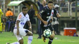 Paulinho teve bons momentos no ataque do Vasco, mas não converteu as chances em gols (Foto: Paulo Fernandes/Vasco.com)