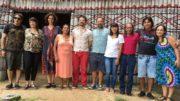 Diretor Sérgio Andrade (bermuda azul) apresentou atores neste sábado, em Manaus (Foto: ATUAL)