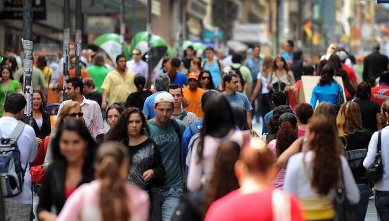 País tem 4,7 milhões de pessoas sem acesso a vagas de trabalho, diz IBGE