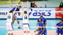 Brasil e Itália fizeram um jogo empolgante decidido no quinto set (Foto: FIBV/Divulgação)