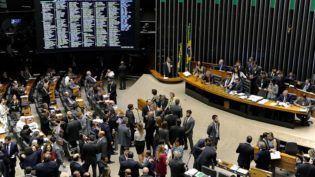 PSOL entra com representação na Câmara contra deputados do PTB