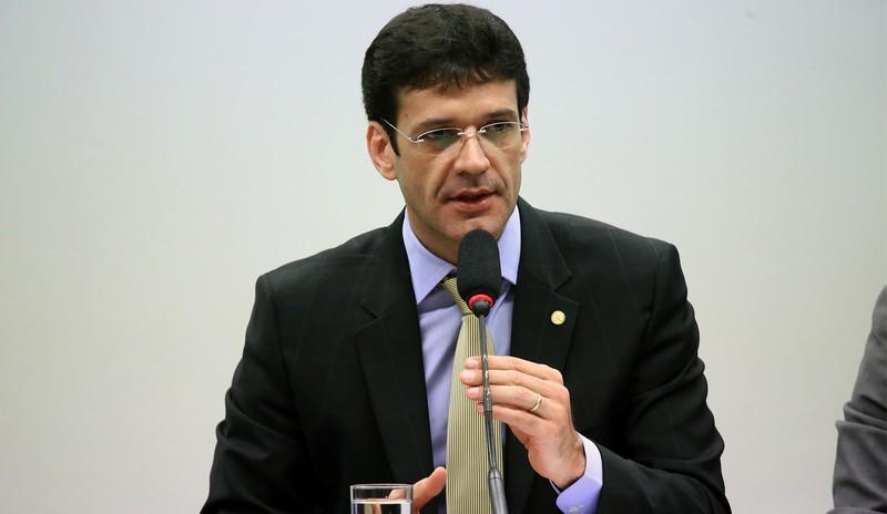 Para governo Bolsonaro, ministro do Turismo é quem deve responder sobre esquema com laranjas