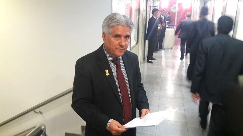 Deputado Mario Bastos quer ata de reunião que decidiu mudar data da posse de governador eleito (Foto: ATUAL)