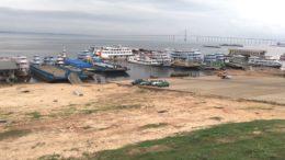 Apenas embarcações de passageiros atracam no porto para o transporte também de pequenas cargas (Foto: ATUAL)