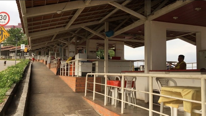 Boxes de lanchonetes e bares estão desativados. Alguns foram ocupados irregularmente e ocupantes já foram notificados (Foto: ATUAL)