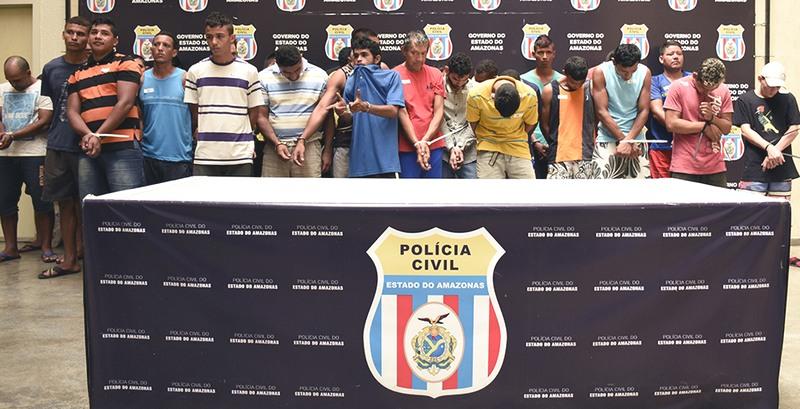 Presos foram apresentados pela Polícia Civil. Eles foram detidos em operação durante três dias (Foto: Erlon Rodrigues/PC-AM)