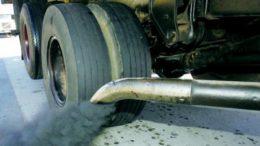 Veículos a diesel, como caminhões e ônibus, terão que fazer inspeção de dois em dois anos (Foto: Contran/Divulgação)