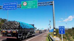 Oi instalou torres e cabos às margens de rodovias e deixou de pagar pelo uso do espaço público (Foto: Dnit/Divulgação)