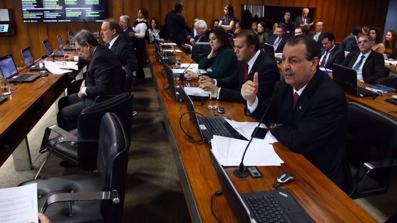 Senador Omar Aziz defende que segurança pública tem mesma importância que educação e saúde (Foto: Ariel Costa/Divulgação)