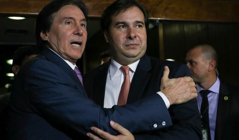Estratégia de Maia e Eunício custam de R$ 250 mil aos cofres públicos