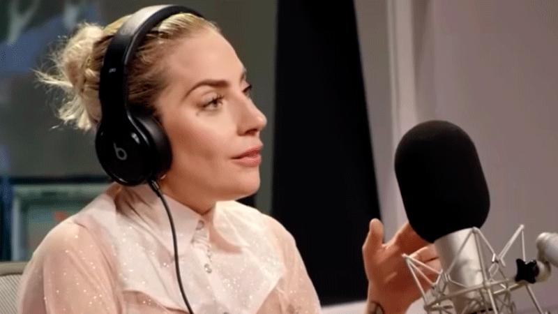 Lady Gaga e Bradley Cooper cantam 'Shallow' pela primeira vez ao vivo