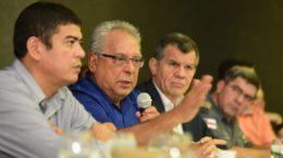 Amazonino anuncia convocação de aprovados em concurso da Polícia Civil de 2009
