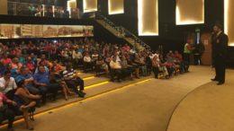 Servidores temporários da Prefeitura de Manaus se reuniram defensor público para saber sobre direitos trabalhistas (Foto: DPE/Divulgação)