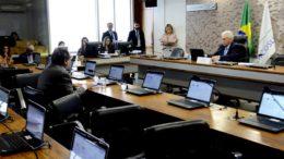 Comissão aprovou projeto que obriga o governo a veicular propaganda contra drogas (Foto: Pedro França/Agência Senado)