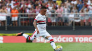 Cueva marcou o segundo gol do São Paulo na vitória sore o Santos (Foto: Rubens Chiri/saopaulofc.net)