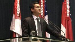David Almeida partiu para o enfrentamento com o governo de Amazonino Mendes em discurso na LE (Foto: ATUAL)