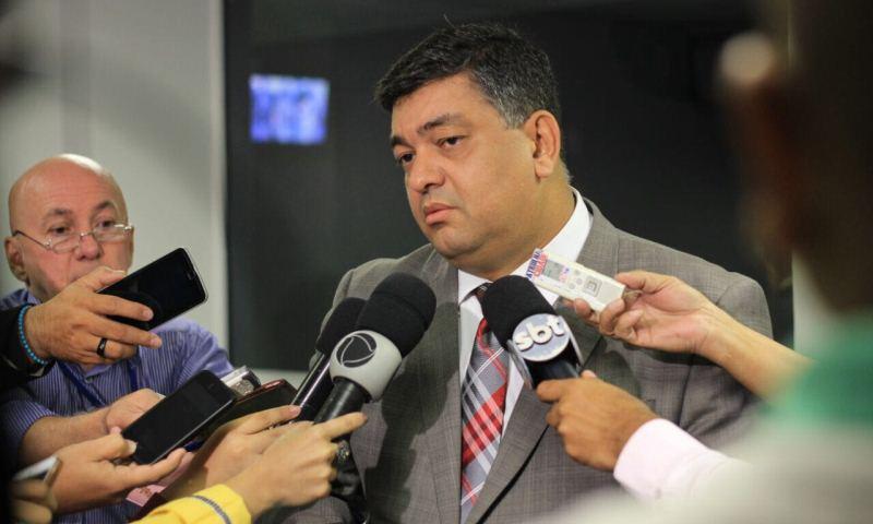 David Almeida recua e usa Copa como justificativa para adiar votação sobre veto