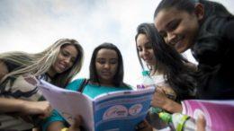 Mulheres são maioria (58,6%) entre os inscritos no Enem (Foto: Marcelo Camargo/Agência Brasil