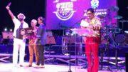 Valdo Cavalcante recebeu o prêmio de melhor música do festival (Foto: Divulgação)