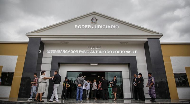 Juízo da Comarca de Tefé funciona no Fórum Fábio Antônio do Couto Valle, onde ocorreram as audiências (Foto: Raphael Alves/TJAM)