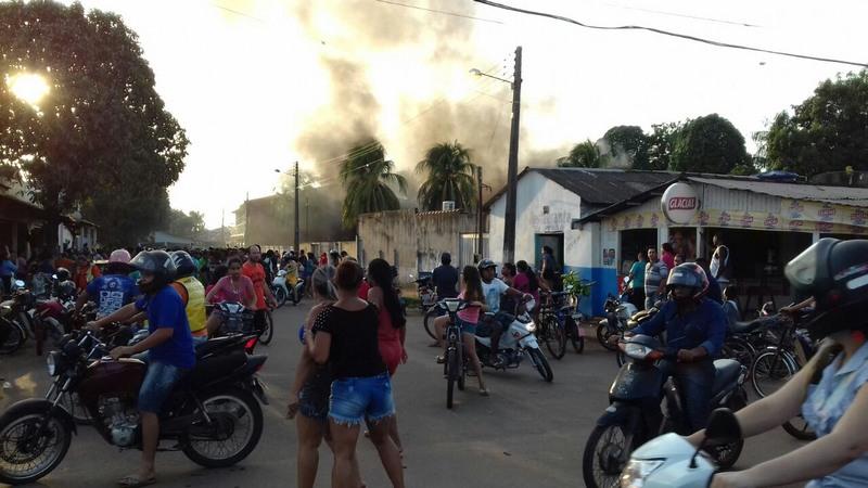 Revolta em Humaitá envolveu supostos garimpeiros contrários à operação do Ibama (Foto: Divulgação)