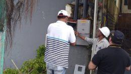 Técnicos da Amazonas Energia constataram o furto de energia e cortaram o fornecimento para a igreja (Foto: Eletrobras/Divulgação)