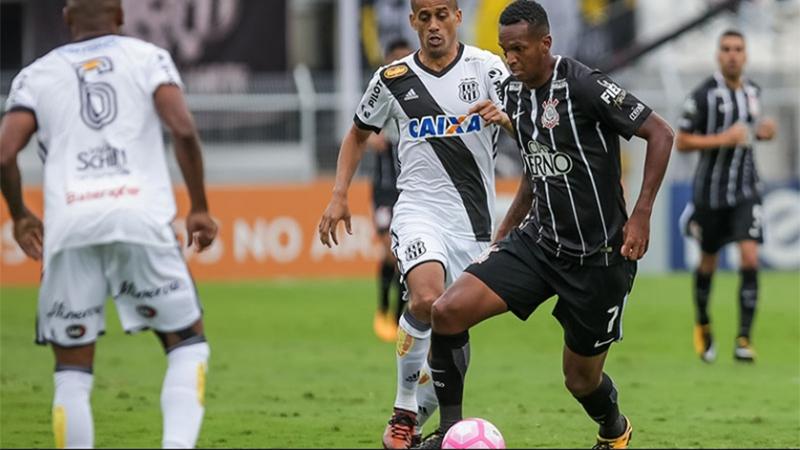 Bem marcado, Jô teve poucas chances de gol contra a Ponte Preta (Foto: Rodrigo Gazzanel/Agência Corinthians)