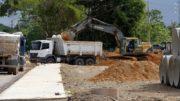 Obras na urbanização do igarapé do Mindu incluem construção de calçadas e áreas de lazer (Foto: Altemar Alcântara/Semcom)