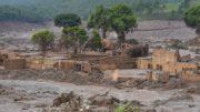 Distrito de Bento Rodrigues, em Mariana (MG), atingido pelo rompimento de duas barragens de rejeitos da mineradora Samarco (Foto: Antonio Cruz/Agência Brasil)
