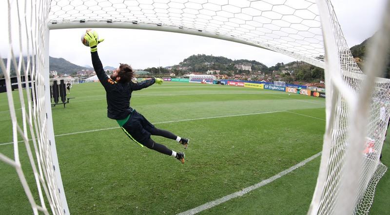 Chutes a gol foram treinados a exaustão pela seleção para jogo desta terça-feira (Foto: Lucas Figueiredo/CBF)