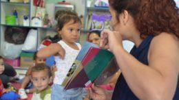 Assistentes passarão a trabalhar em conjunto com os professores em sala de aula para ajudar na alfabetização dos alunos (Foto: ABr/Agência Brasil)