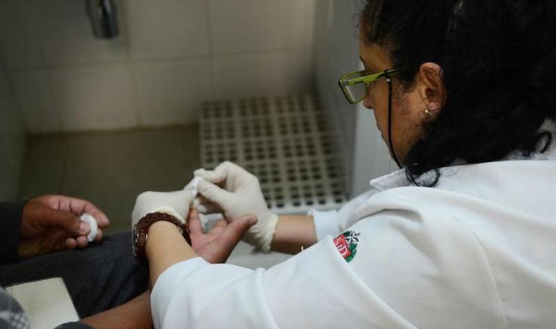 Senadores querem derrubar patente de remédio que cura a hepatite C