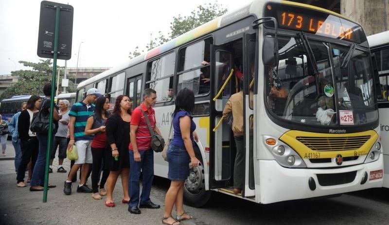 Preço da passagem de ônibus no Rio terá diminuição de vinte centavos e passará a custar R$ 3,40 (Foto: Tânia Rêgo/Agência Brasil)