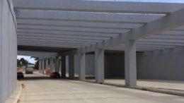 Obra de infraestrutura viária em Manaus. Setor público ajudou a manter empregos na construção civil (Foto: ATUAL)