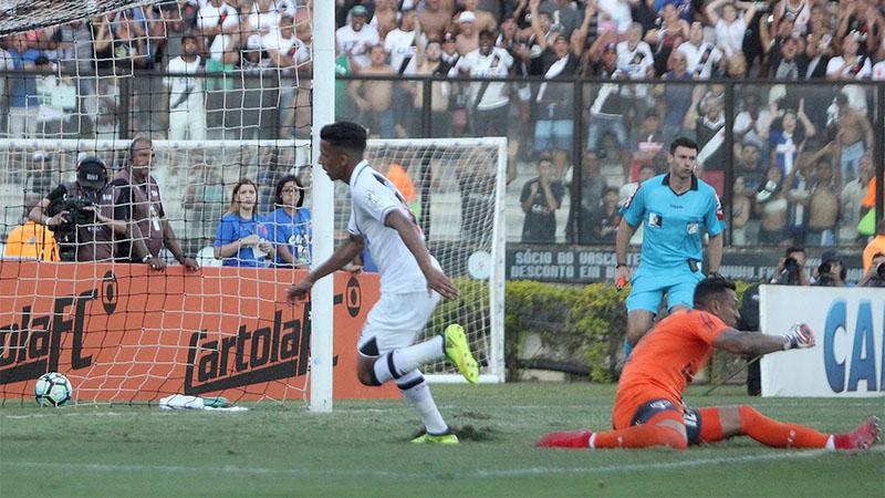 Caio Monteiro marcou o gol de empate do Vasco que manteve o time na oitava posição (Foto: Paulo Fernandes/Vasco.com)
