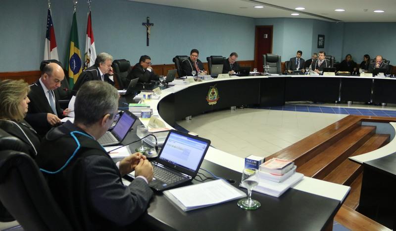 Conselheiros do TCE acompanharam voto do relator e condenaram ex-secretário do governo do Amazonas por contratos irregulares (Foto: TCE/Divulgação)