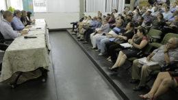 Secretários se reuniram com representantes de empresas de saúde para explicar calendário de pagamentos (Foto: Secom/Divulgação)