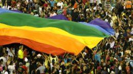 Bandeira símbolo da Parada Gay será novamente exibida no evento em Manaus, neste sábado (Foto: Bruna la Close/Divulgação)