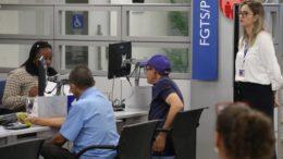 Idosos podem saca dinheiro das contas do PIS-Pasep a partir desta sexta-feira (Fabio Rodrigues Pozzebom/Agência Brasil)