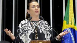 Kátia Abreu foi expulsa do PMDB por ter atuado de forma contrária ao Planalto sobre propostas como a reforma trabalhista (Foto: Waldemir Barreto/Agência Senado)